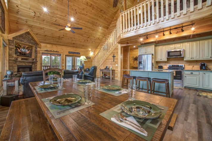 Pigeon Forge, Tennessee Chalet Rental - Gallery Image #8